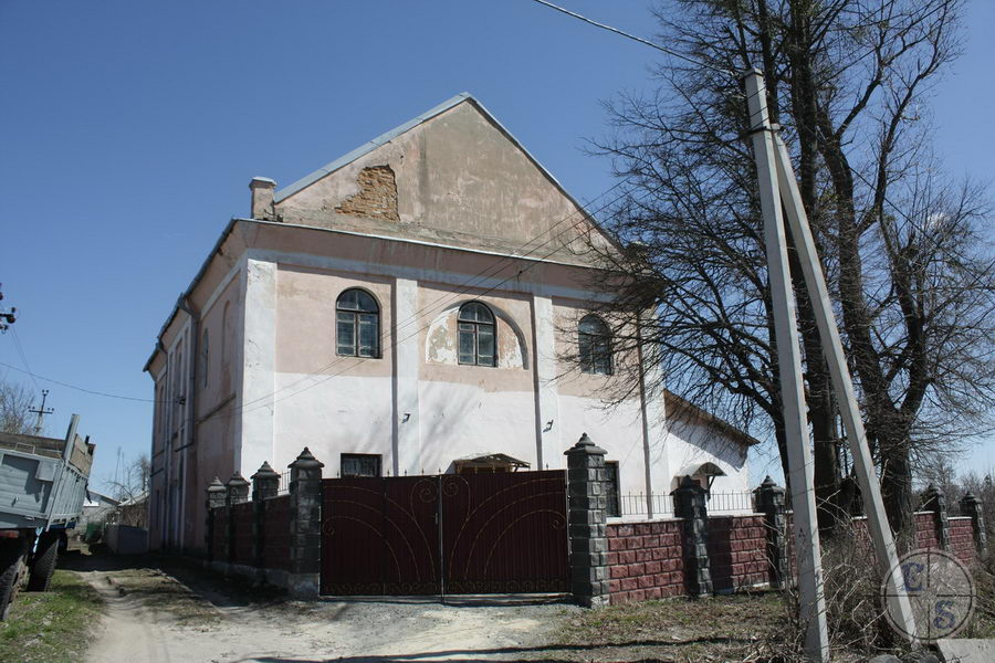 """Shepetovka Synagogue, 2013. Photograph by <a href=""""http://photohunt.org.ua/Shepetovka.html"""">photohunt.org.ua</a>"""